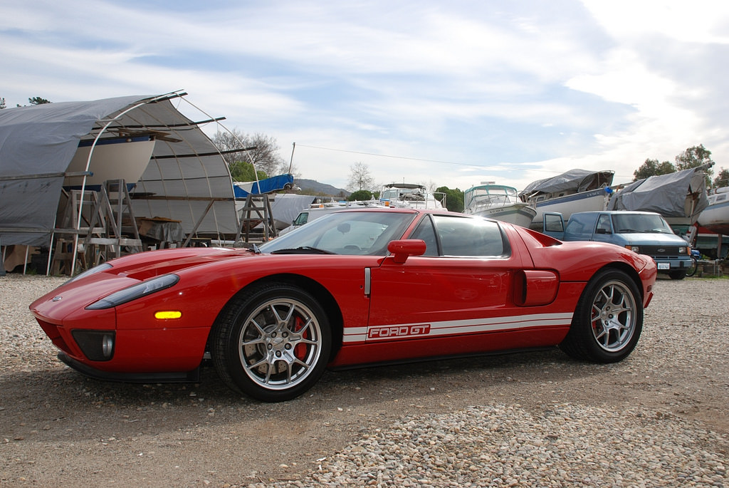 2005 ford gt red